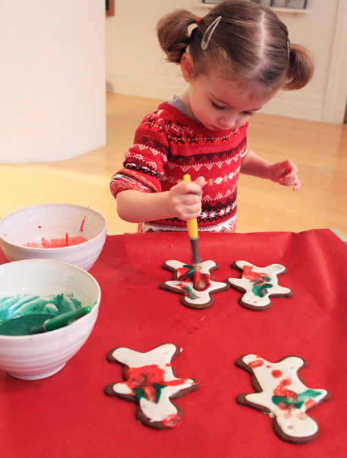 How to make painted gingerbread men with your kids
