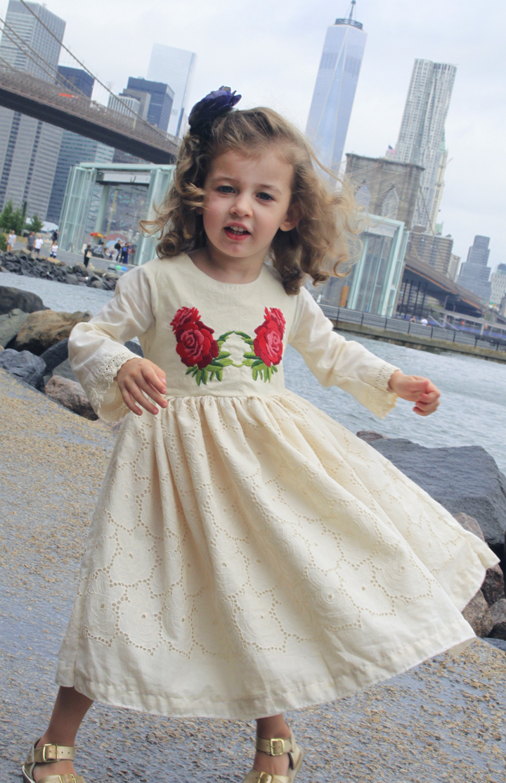 How to make this red rose dress // Life is Made with Katie Miles // www.lifeismade.com