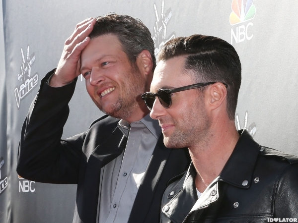 The Voice Blake Shelton Tweets Adam Levine's number