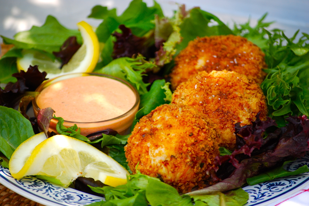 Crab Cakes with Roasted Red Pepper Dip