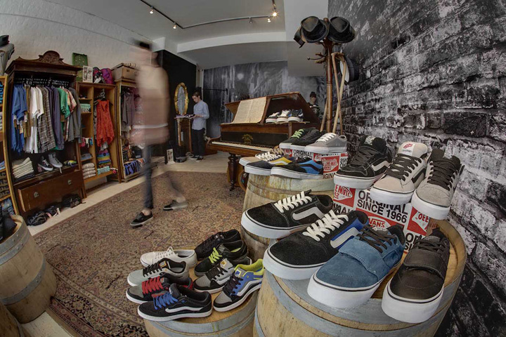 Vans-popup-store-by-Green-Room-London-03.jpg