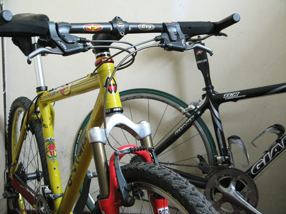 1998 Gary Fisher Big Sur  Acid yellow frame perfectly complementing the candy red RockShox fork.