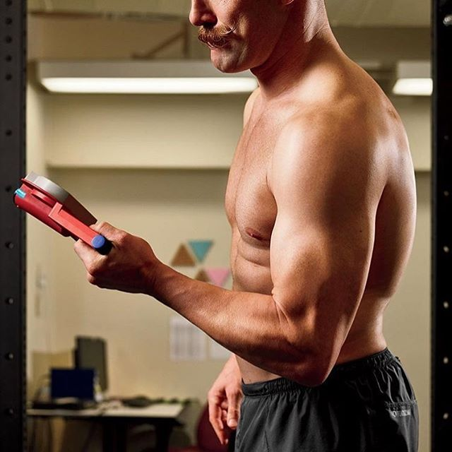 #GripNipSlip  #Repost @menshealthmag ・・・ Did you know that a grip test, demonstrated here by @officialdurkin, is a likely indicator of mortality? Your goal for a strong grip: Walk with two dumbbells, each with half your body weight, for 30 seconds. (📷: @spencer_lowell)