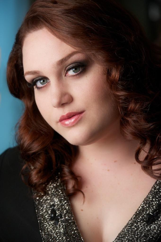 Fiordiligi:  Yasmine Levi-Ellentuck