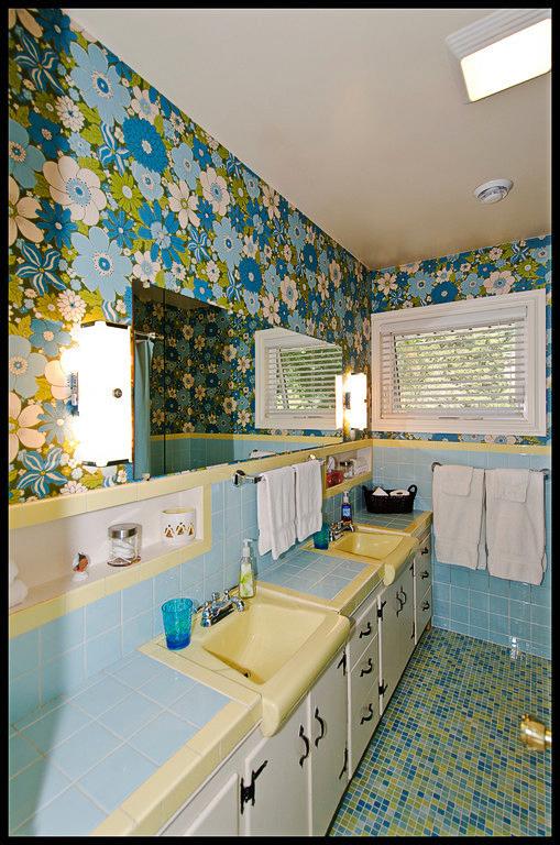sugar pine bathroom.jpg