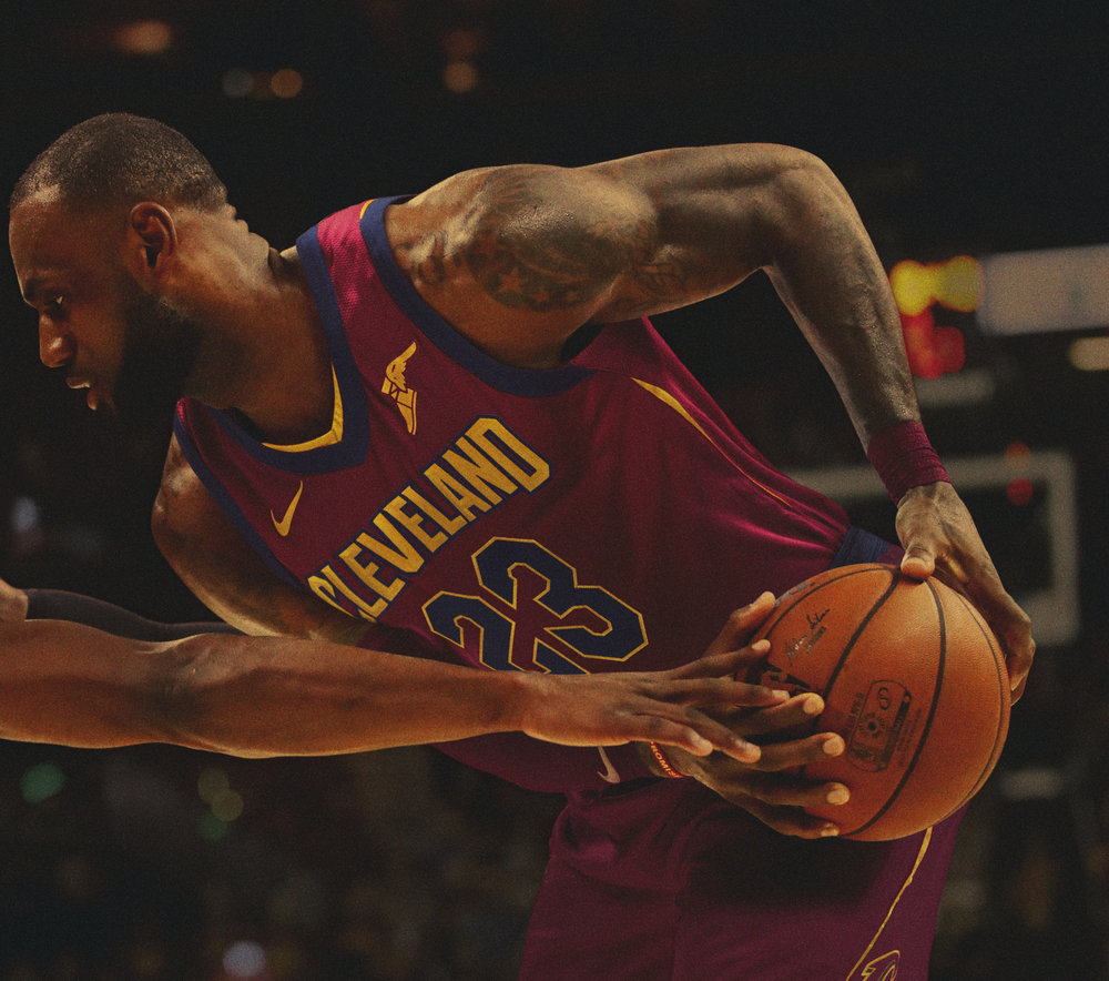 Ho17_BB_NBAPlay_LJames_Getty687507030.jpg