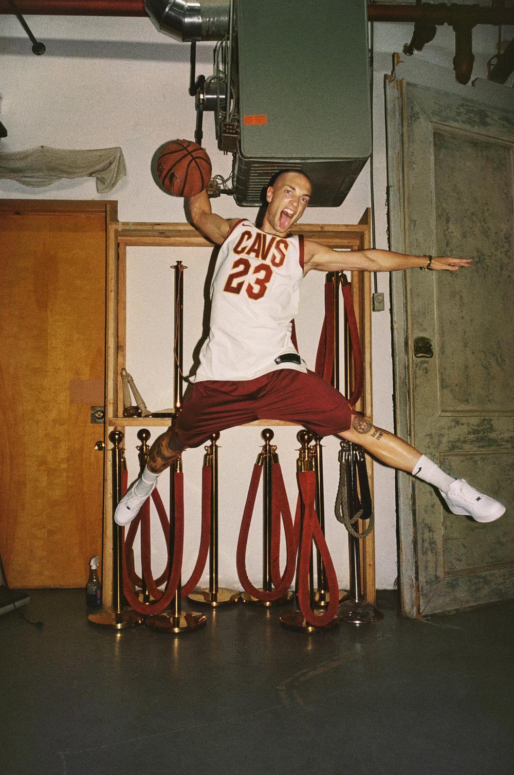 Ho17_BB_NBA_Live_Style_Guide_CM_16980002.jpg