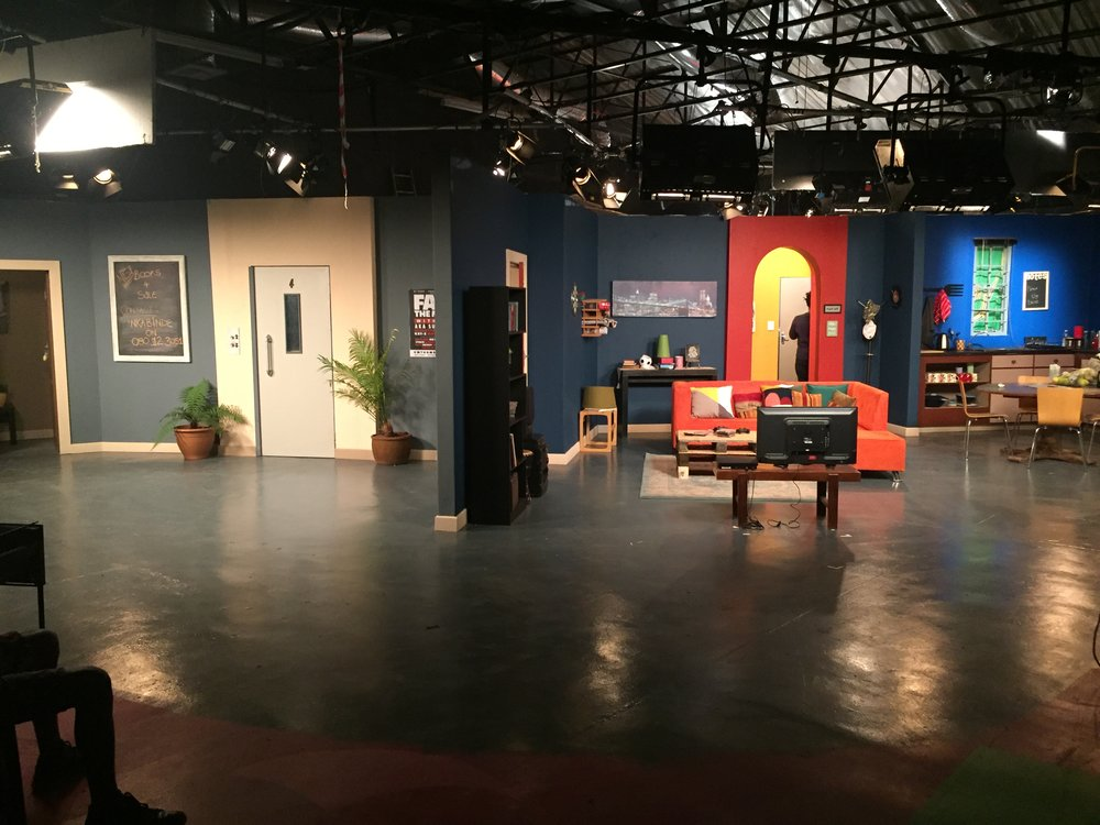 "sitcom set build for sabc1 ""single Guyz"""