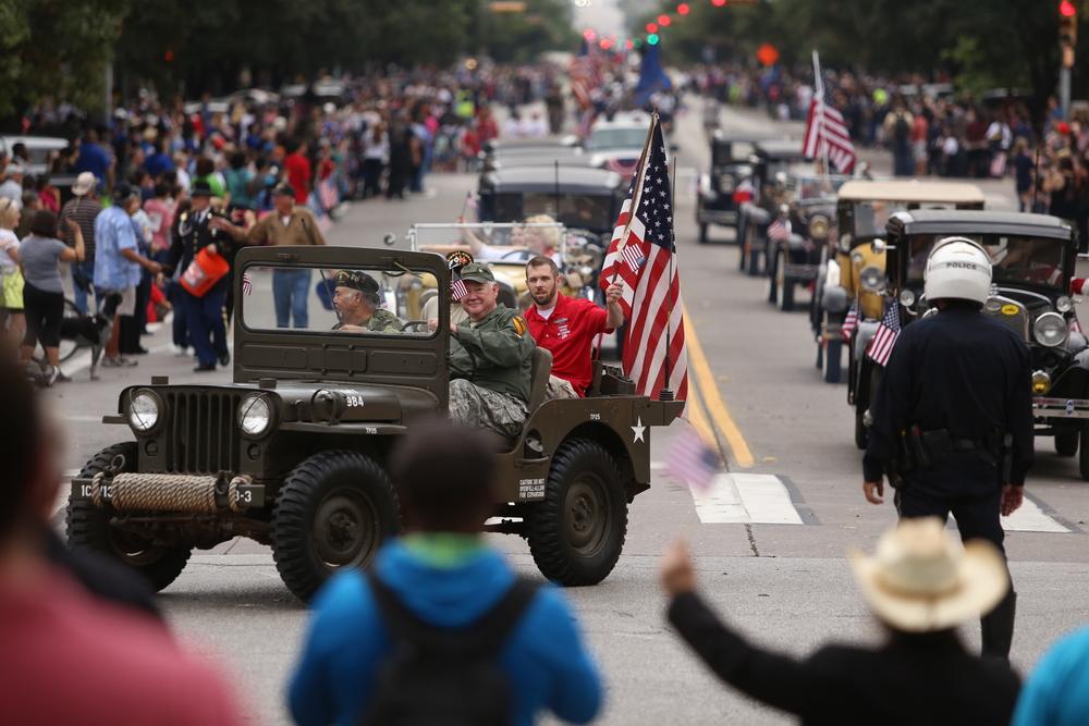 2015-11-11_Veterans_Day_Parade_Pu.Ying.Huang 004.JPG