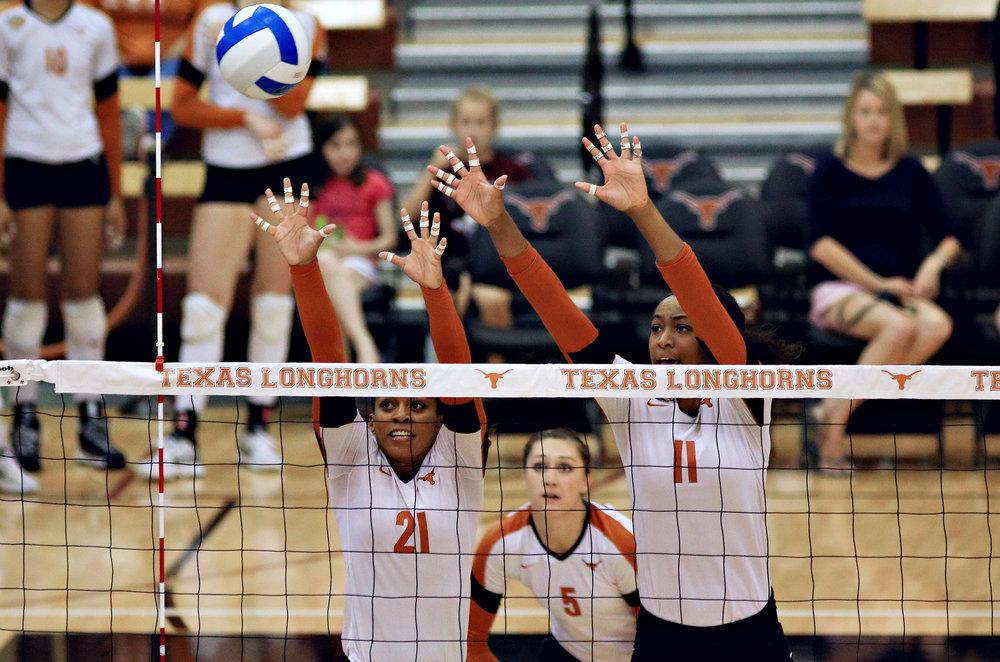 2014-04-12_TX_Volleyball_VS_NMSU_Pu.Ying.Huang327.jpg
