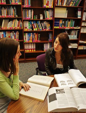 StudentAdvising1_Rubi_Mari_n_MexicoCity.jpg