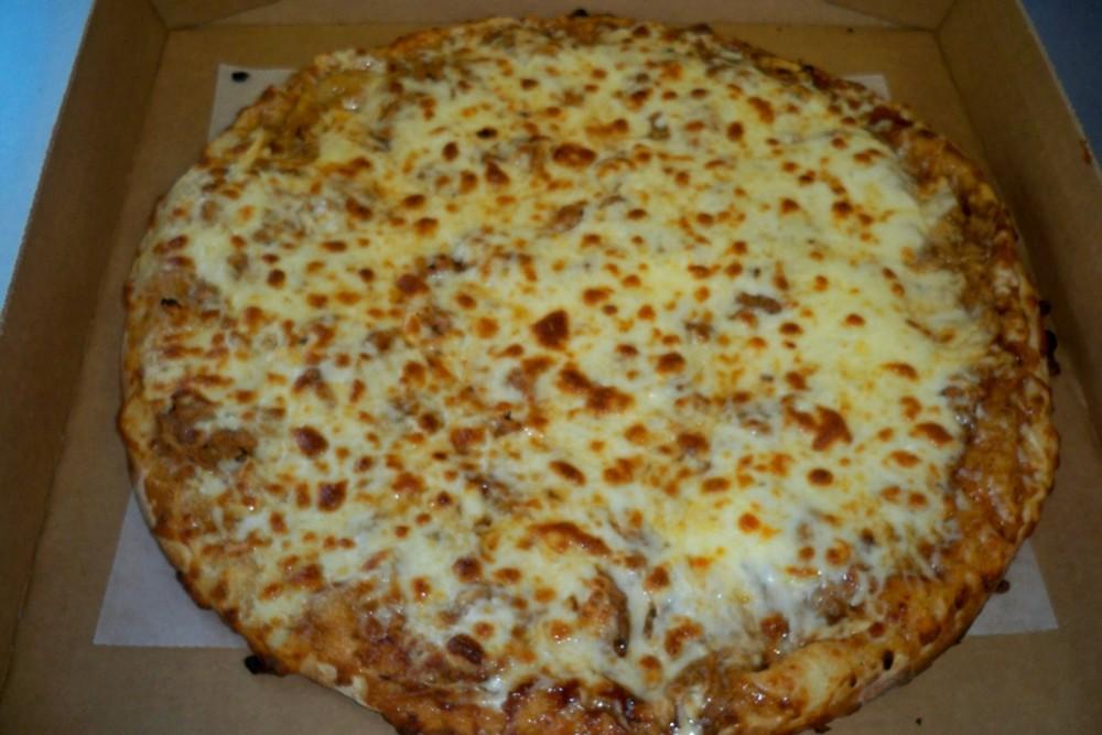 BBQ chicken pizza.JPG