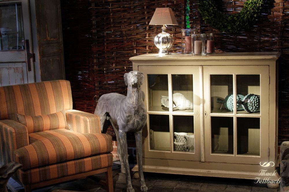 """Clubchair / Sessel """"JACK"""" von Flamant bezogen mit Stoff """"La Paz Awning Stripe"""" von Ralph Lauren in Grün/Gelb. Jetzt €950 inkl. MwSt. anstatt €1740 inkl. MwSt. (Angebot bezieht sich auf beschriebenes Produkt und keine anderen Produkte auf der Abbildung). Der Sessel ist noch 2 mal vorrätig."""