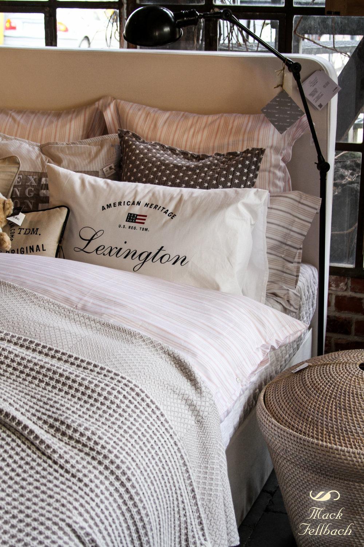 """Bett """"Duncan"""" von Flamant in Vintage Whitemit Liegefläche 160 x 200 cm. Jetzt €1650 inkl. MwSt. anstatt €2358 inkl. MwSt. (Angebot bezieht sich auf beschriebenes Produkt und keine anderen Produkte auf der Abbildung). Hochwertige Flamant Taschenfederkernmatratze kann zu attraktiven Konditionen dazu erworben werden."""