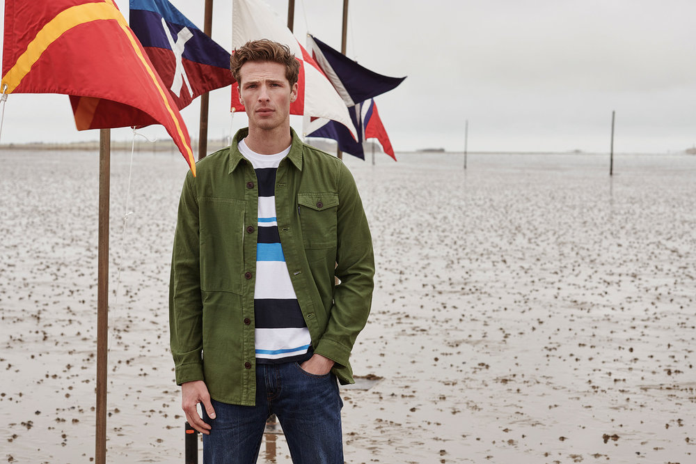 SS19_Barbour Lifestyle_Barbour Seaton Overshirt MOS0049OL39_Longitude Stripe Tee MTS0512WH11_300dpi_CMYK_15cm.jpg