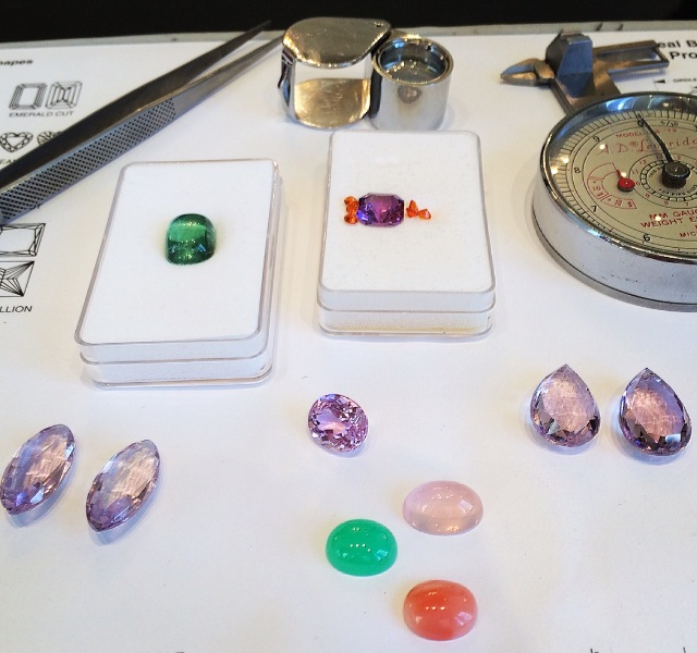 A fun design day starts in the HL showroom, just me, playing with my gems while sipping tea and listening to my current playlist.  I love the natural light I get from my bay of windows, perfect for gem matching and sorting.