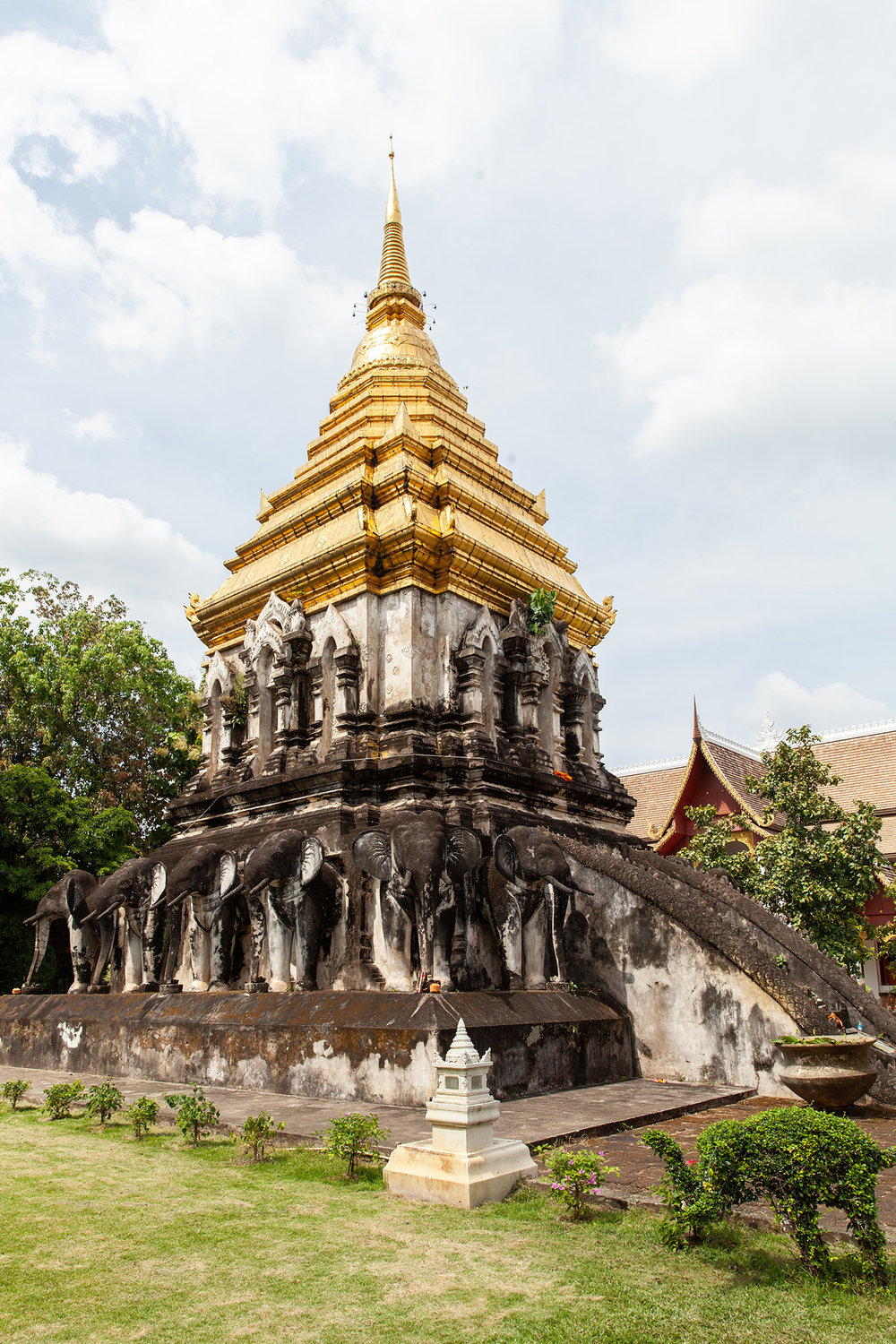 Elephant pagoda at Wat Chiang Man