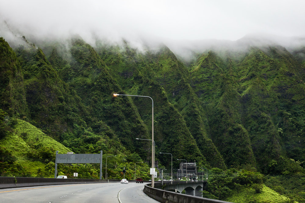entering the tunnel off highway 61 near the Nu'uanu Pali overlook