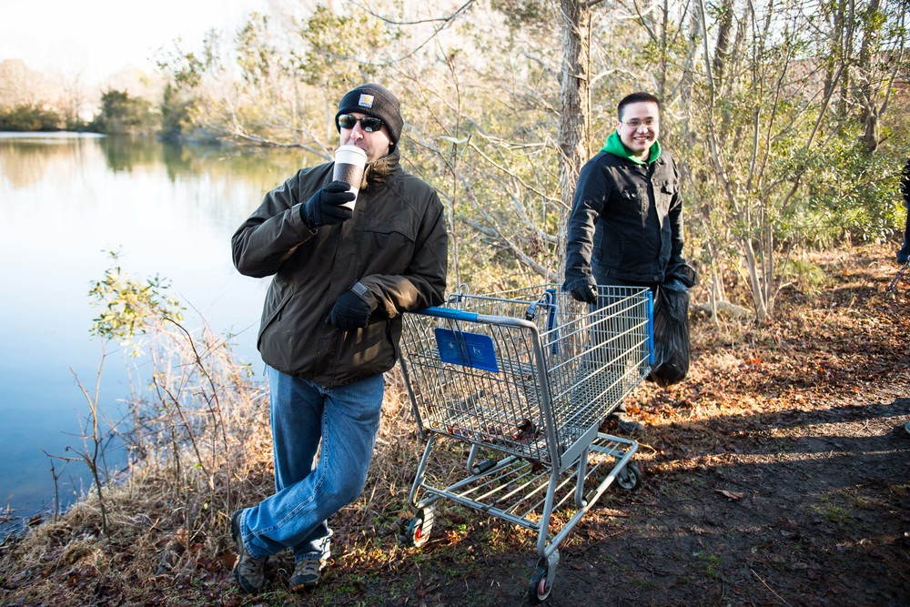 With AS2 Woodard's bright ideas, the cart was remove from the pond with no problems.