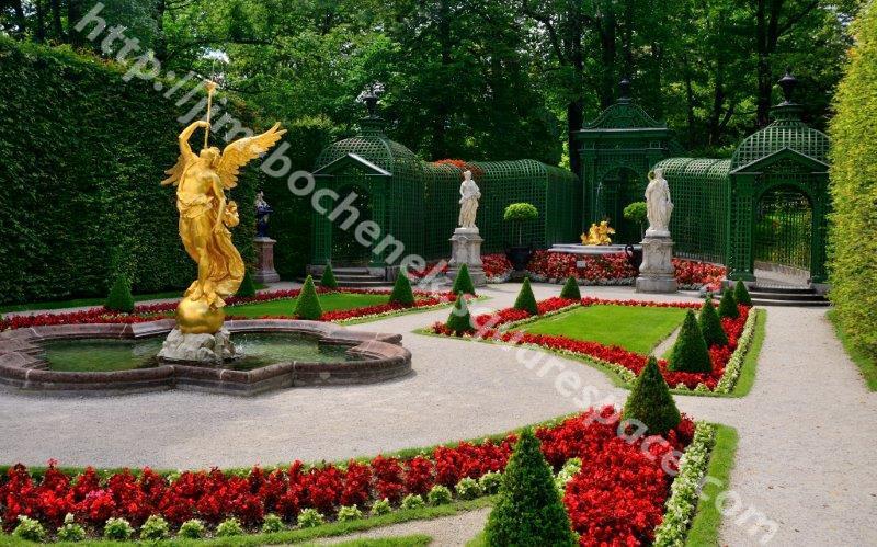 Garden at Linderhof Palace