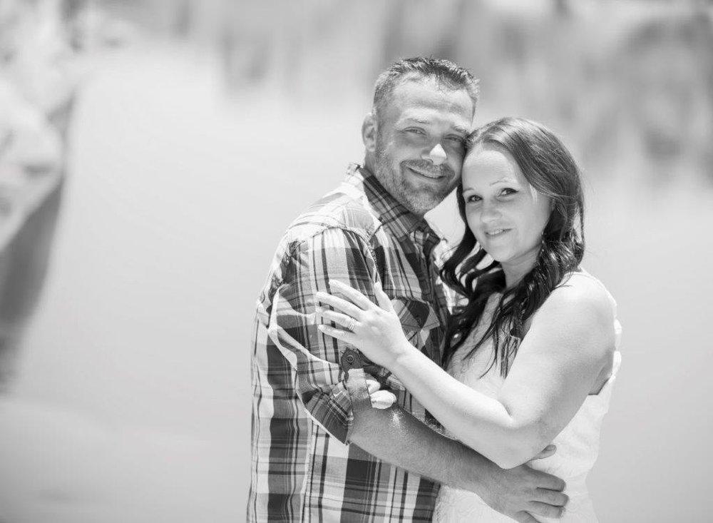 Amanda & Jason 6-22-18 69 bnw.jpg