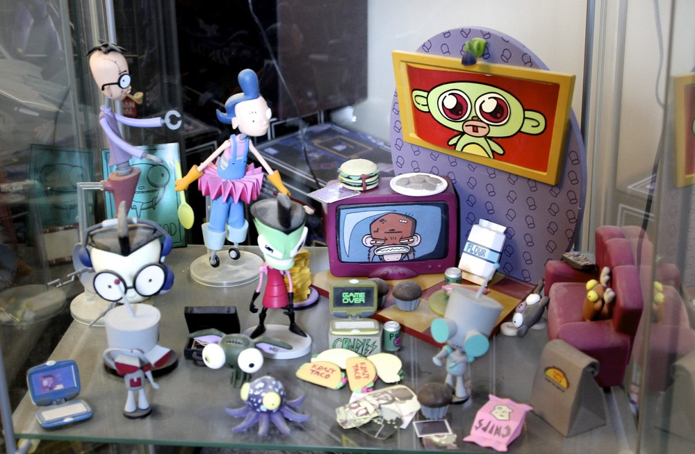 Robot Parents, Zim's Living Room, Dib, Zim, GIR, another GIR,