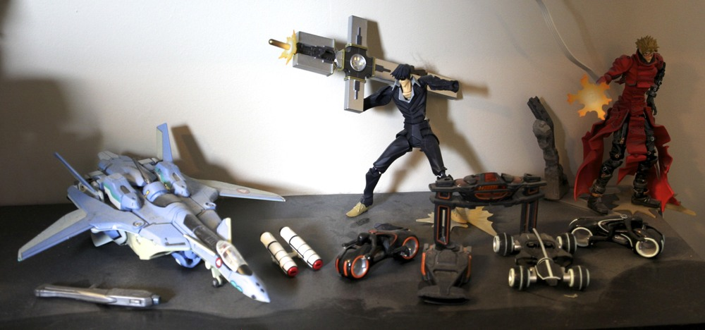 YF-19. Wolfwood, Vash the Stampede, TRON: Legacy vehicles.
