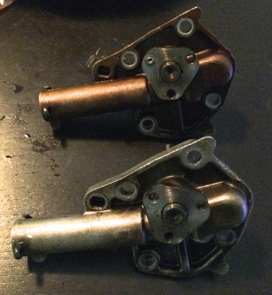 Save for some slight differences in coloration, the 2.8L and 3.0L oil pumps are identical.