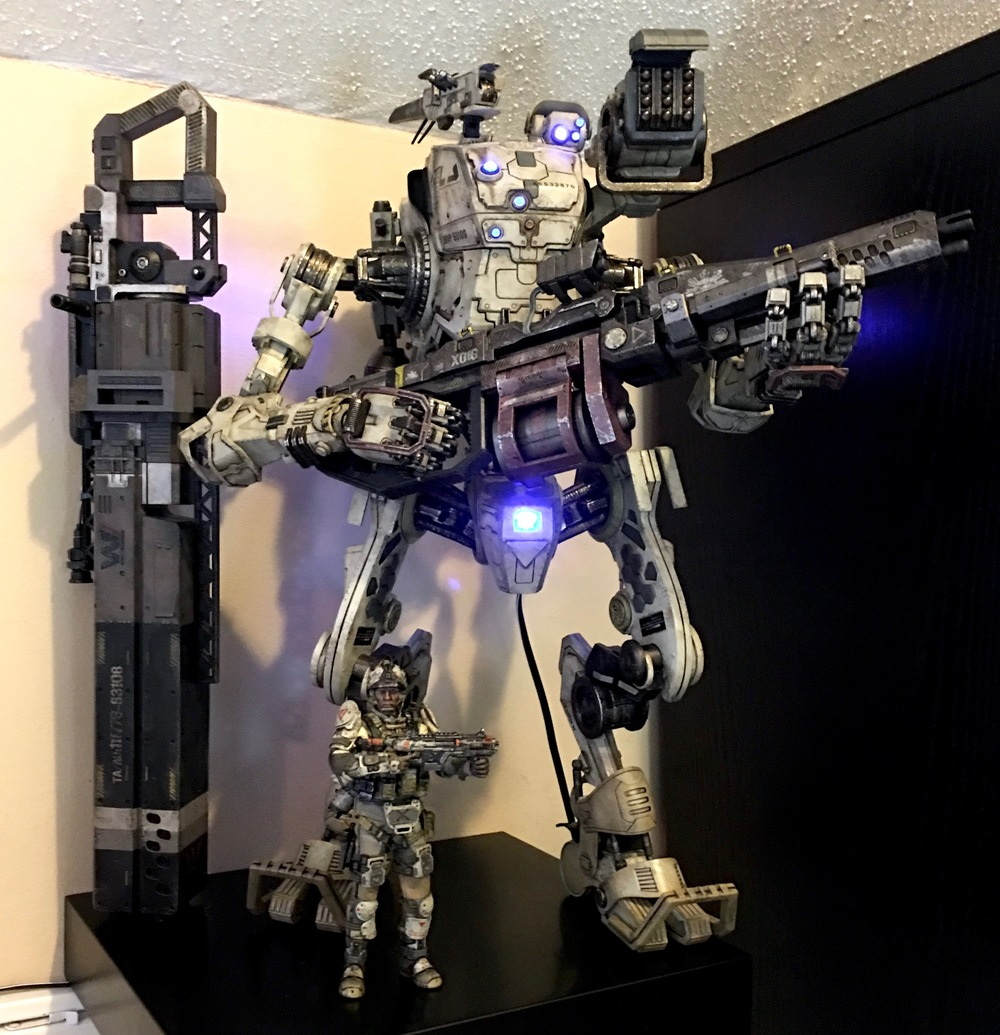 Titanfall  Stryder titan with CQB pilot, chain gun, rail gun and hard-wired LED lighting.