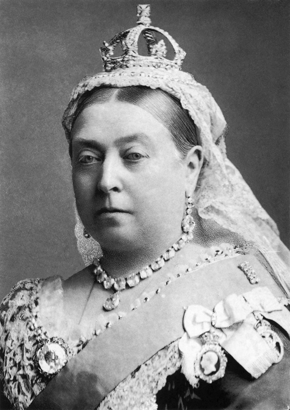 Queen Victoria - Lipstick Hater.