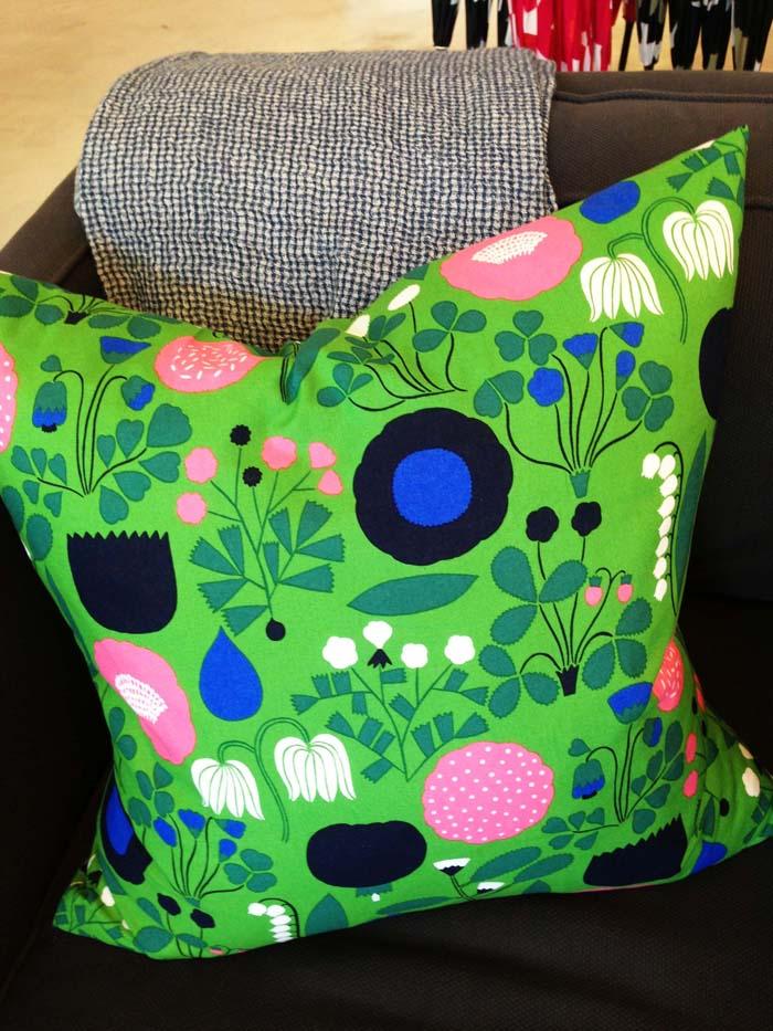 4.marimekko-green-pillow-juvenilehalldesign.com-blog.jpg