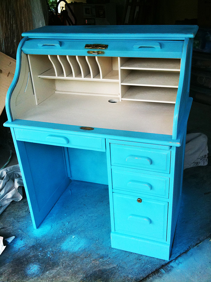 how to paint a roll top desk 1