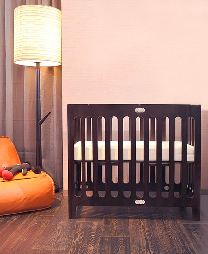 The Alma Mini Crib from Bloom