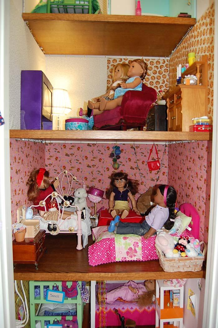 8.livingroom-dolls-juvenilehalldesign.com-blog.jpg