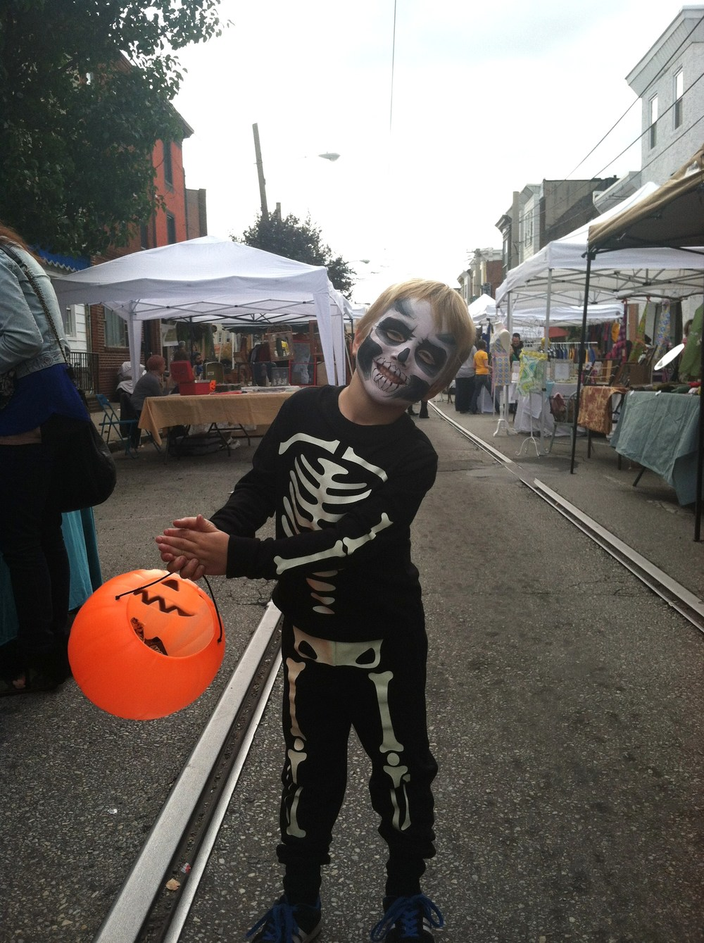 Volunteers wanted on East Passyunk for trick or treating and fall fun.