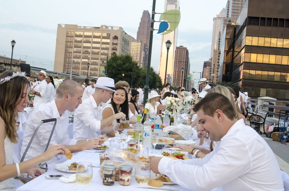 Diner en Blanc Returns to Philadelphia August 21, 2014