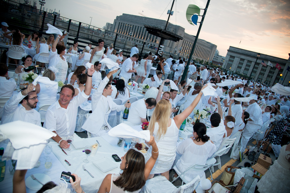 Diner en Blanc Philadelphia, Diner en Blanc, Pop-up picnic, picnic in white, diner en blanc international, surprise location, secret location, aversa pr