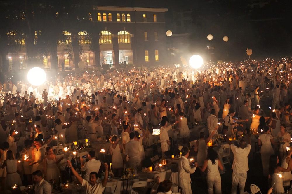 diner en blanc, philadelphia, 5th anniversary, pop-up picnic, white picnic