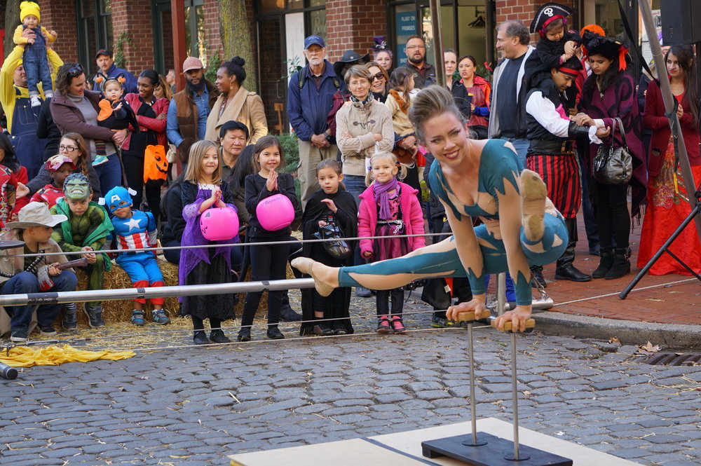 South Street Pumpkinfest, South Street, Acrobat