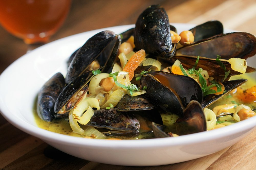 Cinder, Jonathan Petruce, Philadelphia, Restaurant, Uptown Beer Garden, Pizza, Mussels, Cider, small plates
