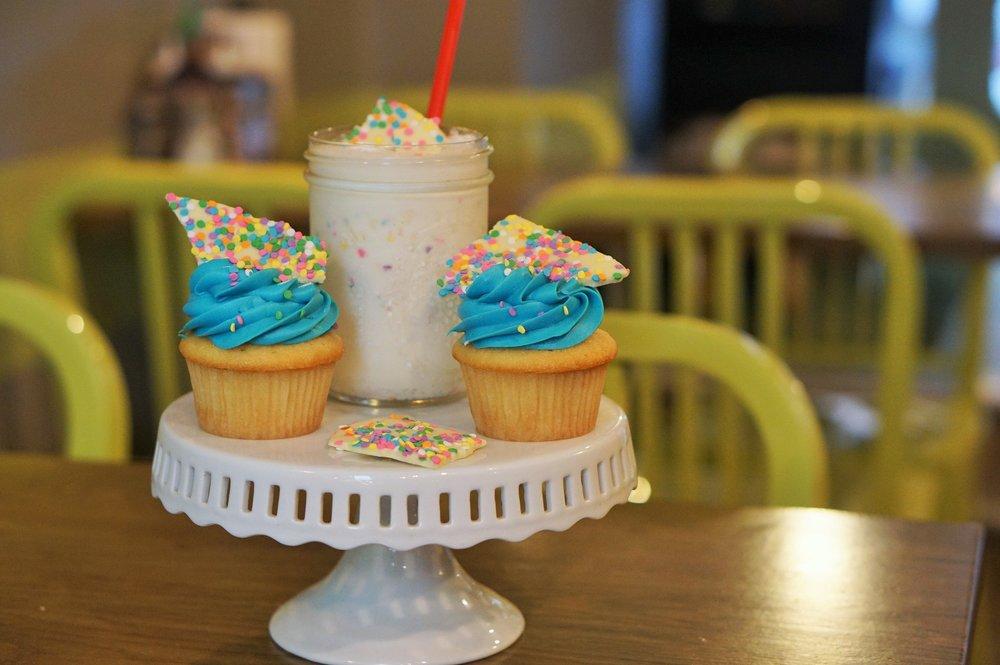 P'unk Burger, 2nd Anniversary, Shake Giveaway