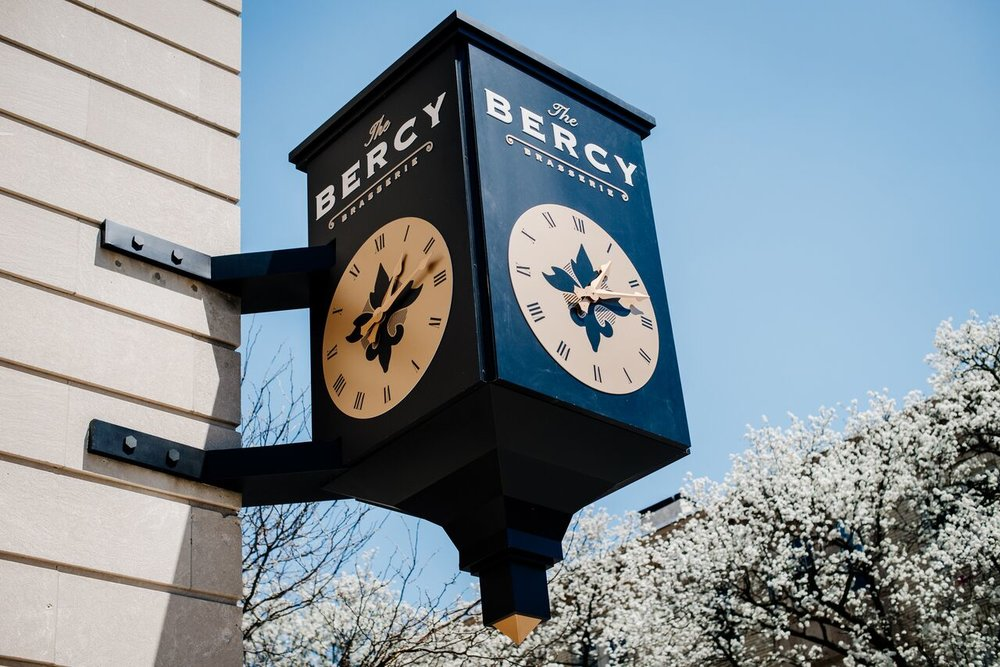 The Bercy Outside Clock