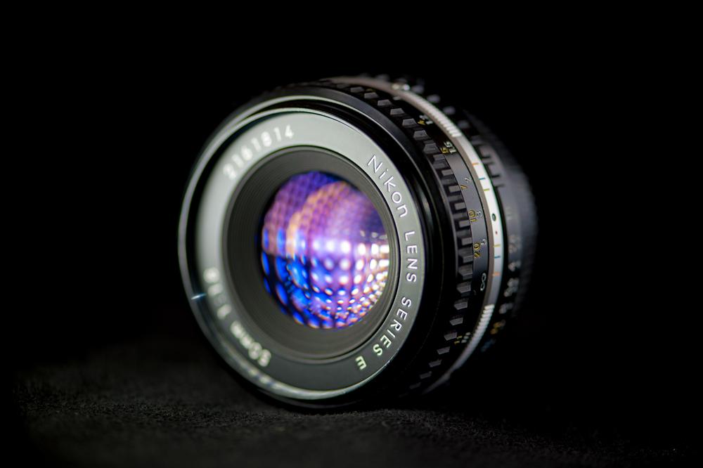 Nikon50mmf1.8NikonSeriesE..jpg