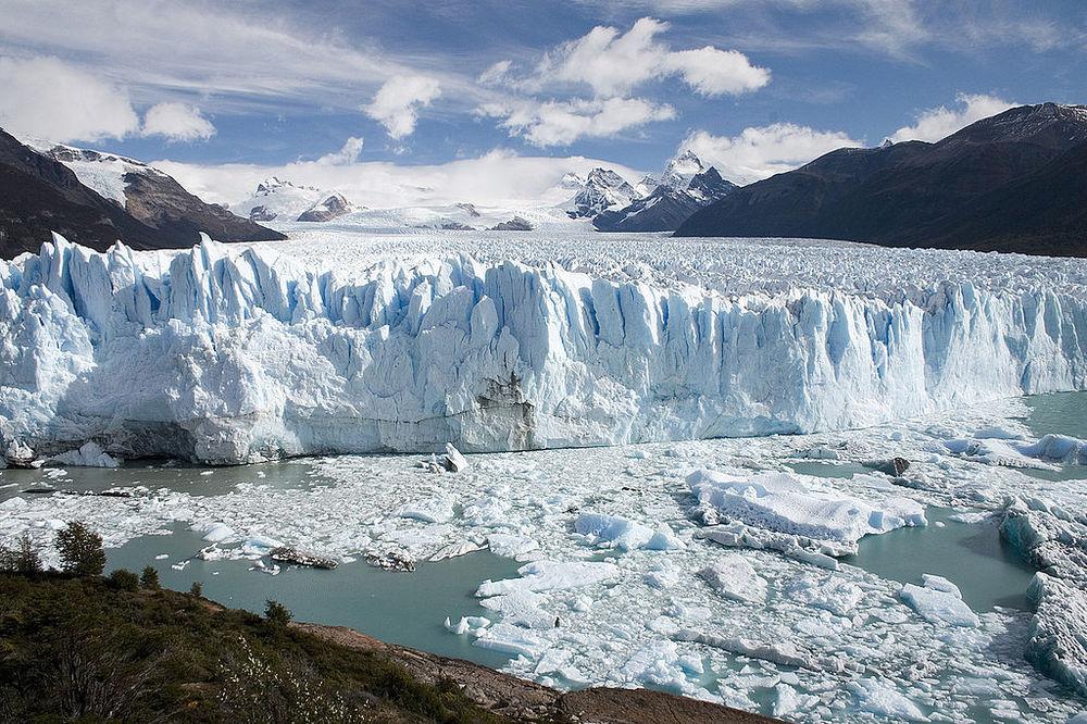 LosGlaciaresWHS-Chile.JPG