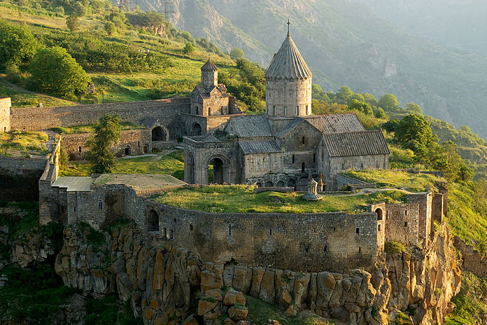 Tatev_Monaster-Armenia.jpg