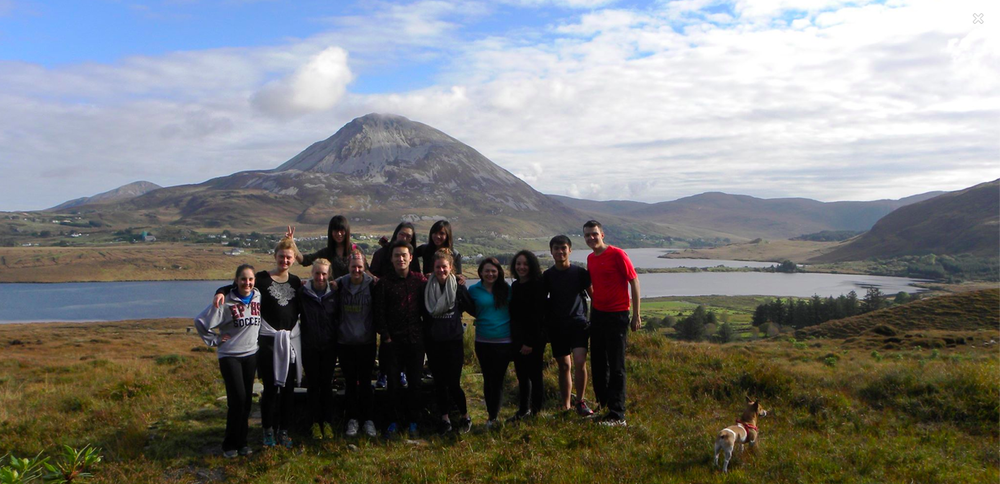 Nearly at the end of the Ramble, Errigal Mountain and The Poison Glen in the background, and Séimí the dog keeping watch!