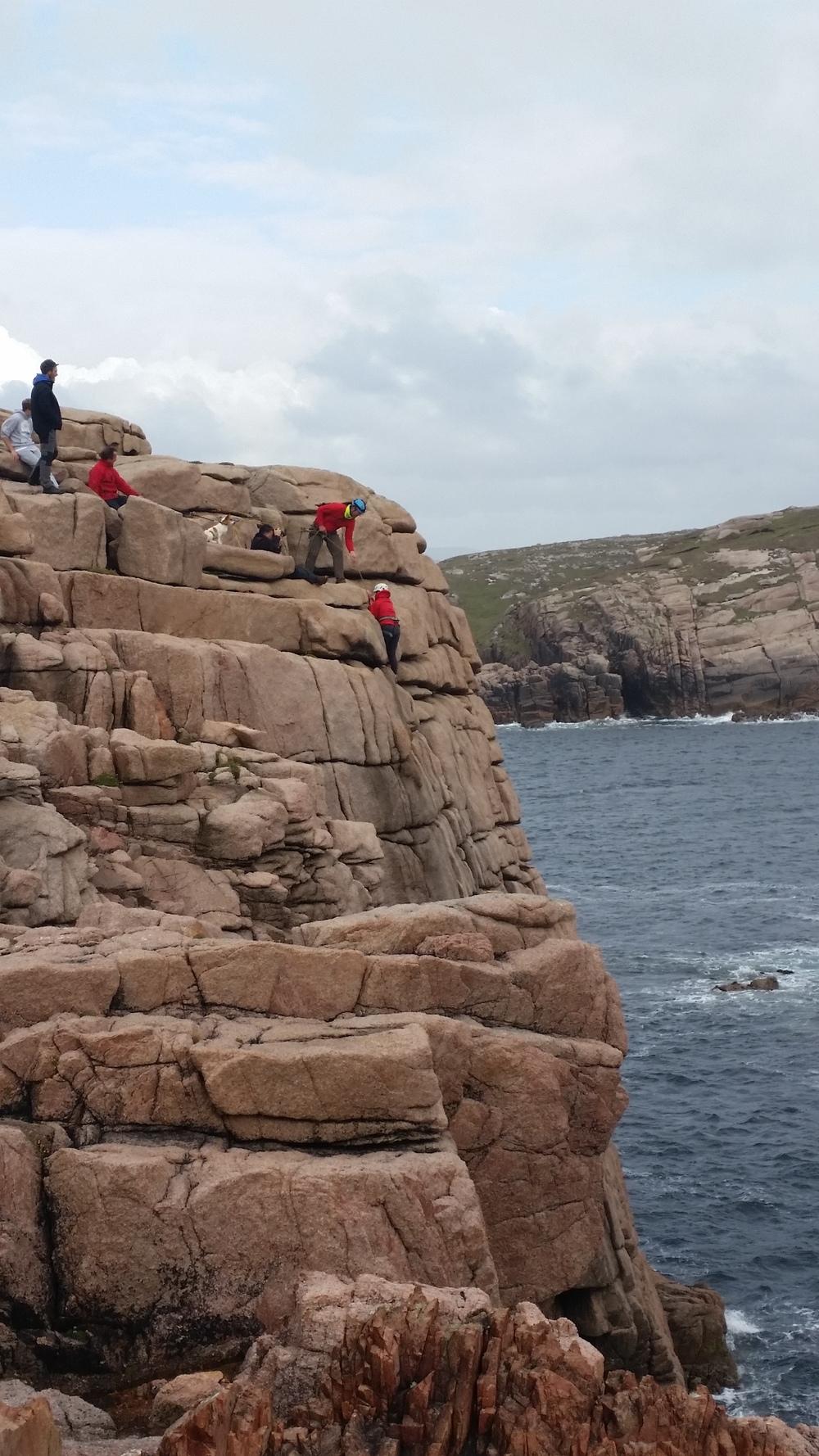 Moira ní Ghallachóír, mng, rock climbing on Gola Island with Iain Miller, Unique Ascent