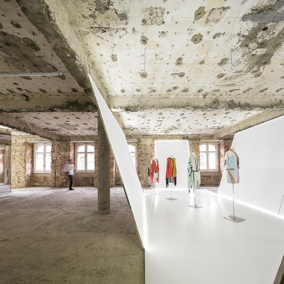 Felipe-Oliveira-Baptista-Exhibition.15.jpg