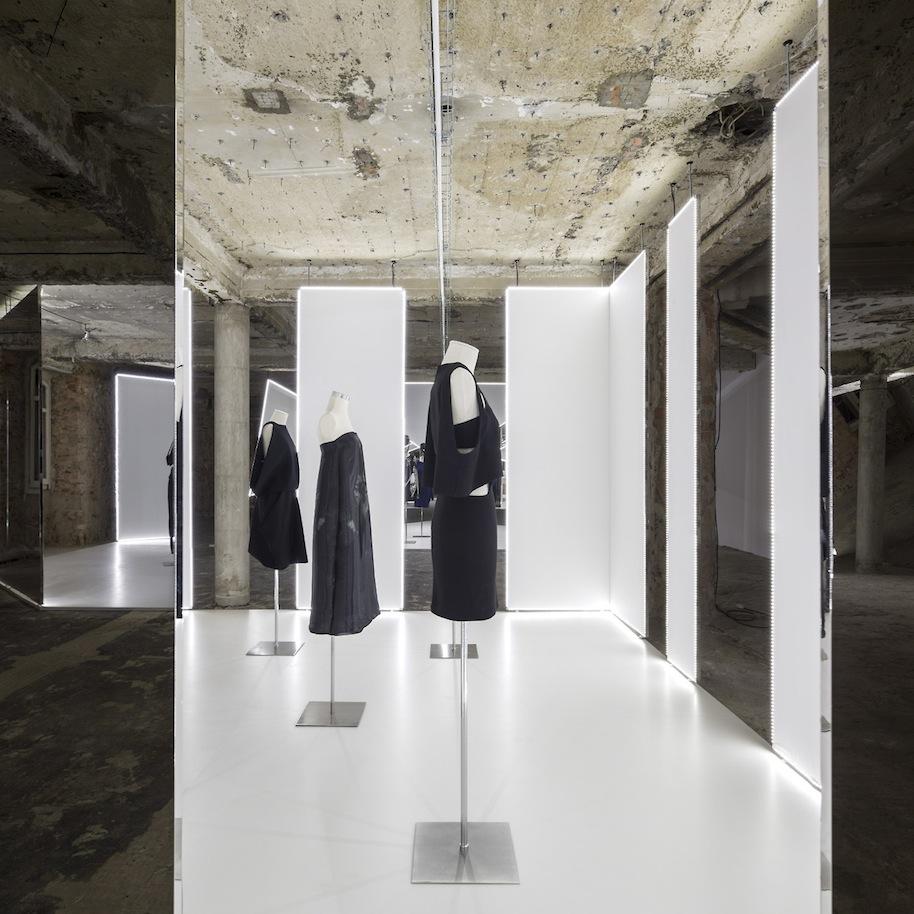 Felipe-Oliveira-Baptista-Exhibition.19.jpg