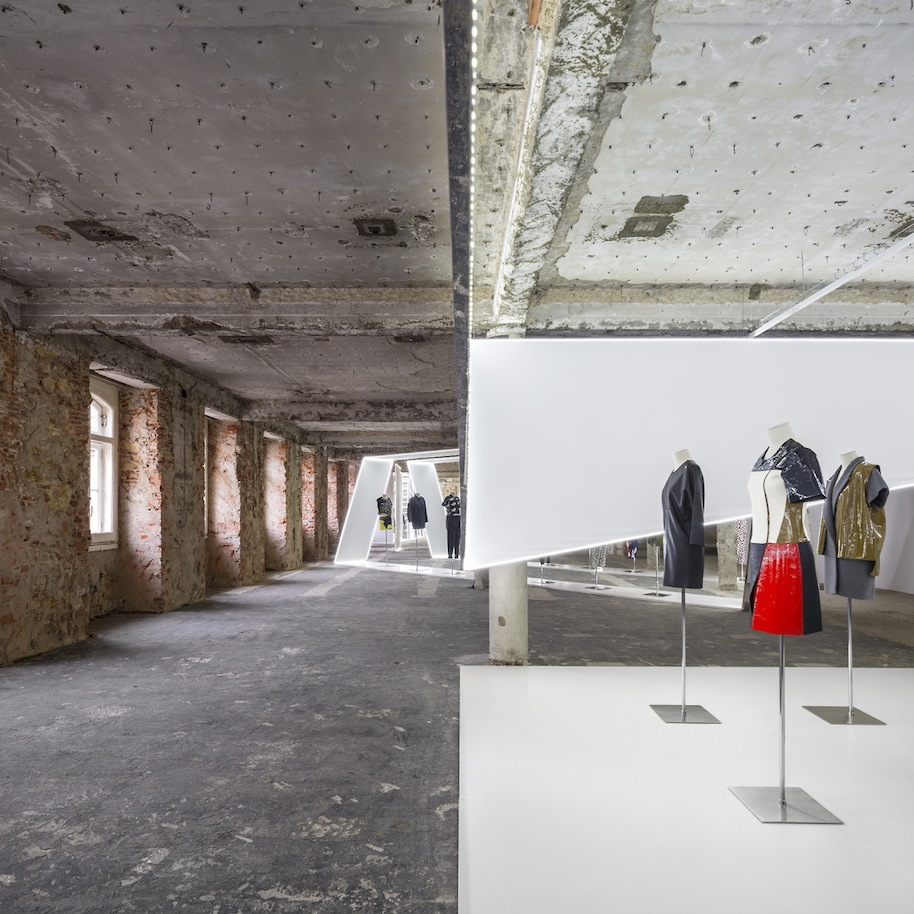 Felipe-Oliveira-Baptista-Exhibition.5.jpg